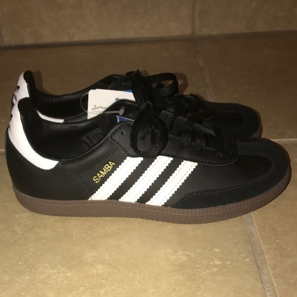 Le adidas samba scarpa dimensioni 35 poshmark unisex